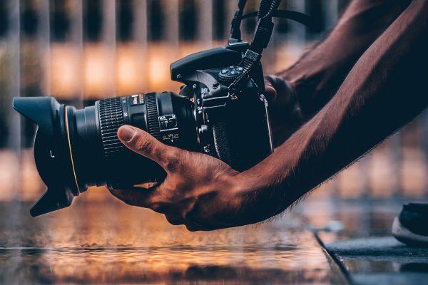 camera_photographer_e332-600x400